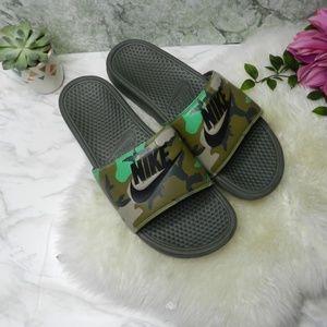 Nike benassi Jdi Mens size 14 sandal slides